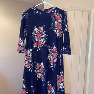 blue floral 3/4 sleeve dress
